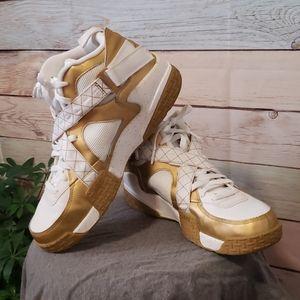 💥 Nike Gold & White Air Raid💥 size 14…
